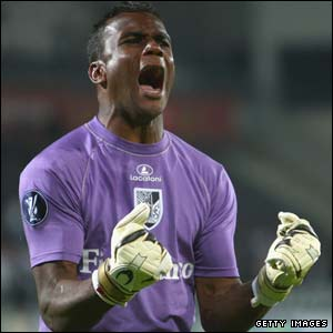 Guimaraes goalkeeper Nilson celebrates as Douglas scores their opening goal