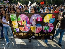 Students demonstrate in Mexico City (02/10/2008)