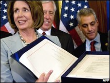 Speaker of the House Nancy Pelosi displays the deal in Washington DC (03/10/2008)
