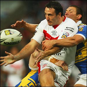 But after a strong start by Leeds, it is St Helens who open the scoring, Lee Gilmour breaking through the Rhinos defence