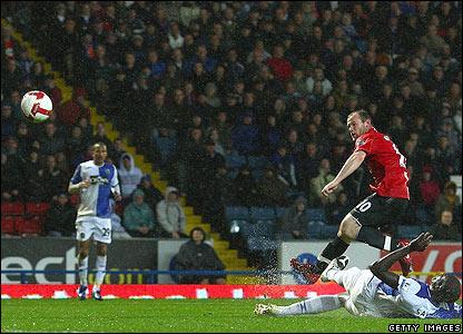 Rooney doubles the lead for Sir Alex Ferguson's men