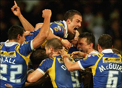 Saints cannot force their way back into the game - so it's back-to-back titles for the Rhinos