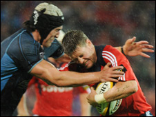Ronan O'Gara (right) and Kelly Brown