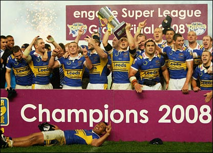 Leeds pose for the cameras following their 24-16 victory