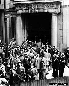 Crowds outside the New York Stock Exchange on Wall Street, 31 October 1929