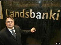 Sigurjon Arnason, director general del banco islandés Landsbanki