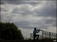 A Pakistani soldier stands guard outside the parliament in Islamabad. September 6, 2008