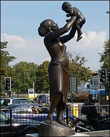 Statue of a black woman