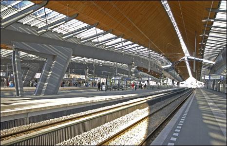Amsterdam Bijlmer Arena Station. Copyright: Mark Humphries