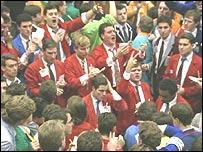 Corredores de bolsa en el mercado de valores de Londres