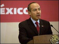 Mexican President Felipe Calderon speaking on 8 October 2008
