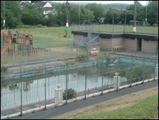 Hendy outdoor swimming pool