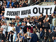 Newcastle fans protest against Mike Ashley and his board