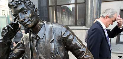 Estatua en el distrito financiero de Londres.