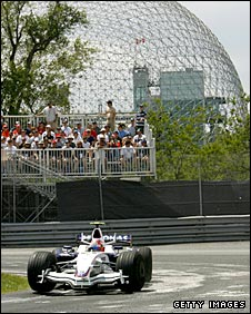 Robert Kubica takes the hairpin turn en route to winning the Canadian Grand Prix