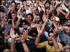 Muslims in Srinagar protest at the visit of the Indian prime minister