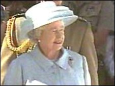 The Queen in a Hardy Amies outfit