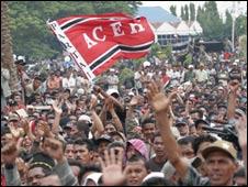 Crowds in Aceh. Pic: Fauzan Ijazah