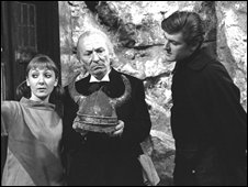 Maureen O Brien as Vicki , William Hartnell as Doctor Who and Peter Purves as Steven Taylor in 1965