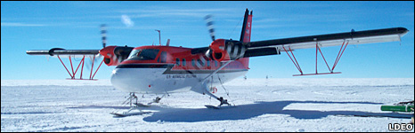 Twin Otter aircraft (Lamont Dahoerty/M.Studinger)