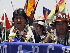 Evo Morales at start of march in Caracollo - 13/10/2008