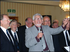 Rolf Harris with the Fron Choir