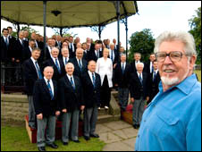 The Fron choir and Rolf Harris