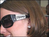 Seguidora de Obama con gafas