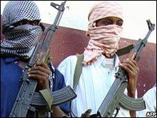 Somali militants near Mogadishu