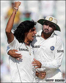 Ishant Sharma and Harbhajan Singh celebrate the demise of RIcky Ponting