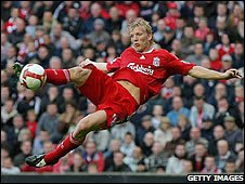 Dirk Kuyt's scissor-kick sealed the wiin for Liverpool