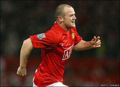 Wayne Rooney celebrates putting United ahead