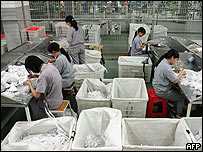 Operarias en una fábrica en Jinjiang, el 18 de octubre
