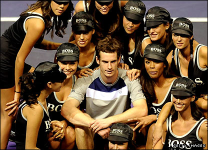 Andy Murray and Madrid's models/ballgirls