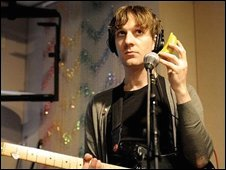 Long Blondes' guitarist Dorian Cox