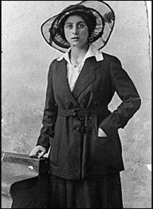 Lilian Fox, 1918