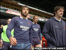 Gavin Henson (left) with the Wales squad
