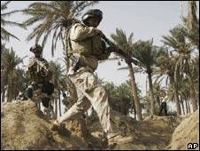 US soldiers patrol near Diwaniyah in Iraq - 19 Oct