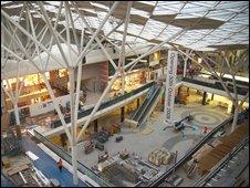 Work in atrium of Westfield centre