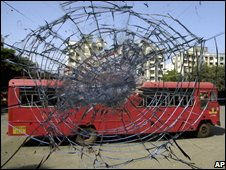 Bus attacked by MNS supporters in Mumbai