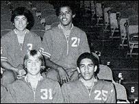Обама с товарищами по баскетбольной команде