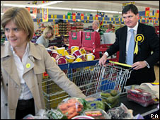 SNP candidate Peter Grant with Deputy First Minister Nicola Sturgeon