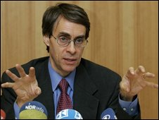 Kenneth Roth, executive director of Human Rights Watch, file pic from 2007