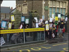 Parents and pupils protesting outside Lansdowne Primary School
