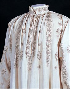 Man's linen shirt, embroidered in black silk c.1585-1620 (courtesy of Fashion Museum, Bath, photo by Brenda Norrish