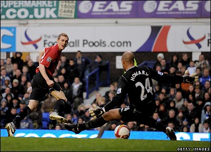Fletcher scores the opener for Man Utd