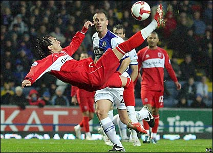 Tuncay goes close for Boro