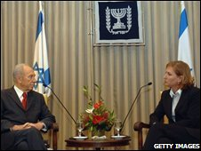 Shimon Peres in talks with Tzipi Livni