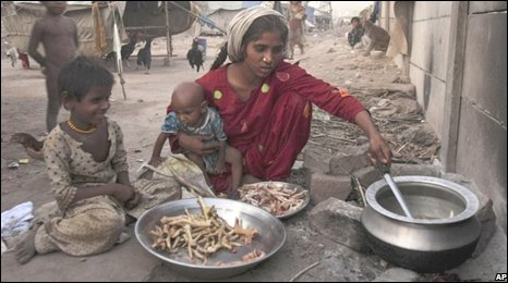 A poor family cooking in Rawalpindi