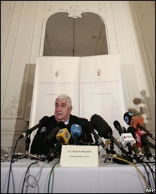 Syrian Foreign Minister Walid al-Muallem at a press conference in London (27/10/2008)